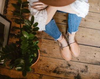 Carmel Sandals, Light Brown Sandals, Leather Sandals, Summer Shoes, Slip Ons, Leather Loafers, Closed-toe, Leather Flats, Ankle Strap