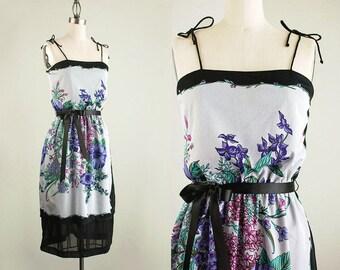 80s Vintage Lavender Floral Print Sun Dress / Size Small
