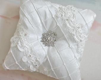 Tufted Ring Bearer Pillow, ring bearer pillow, off white ringbearer pillow, wedding pillow