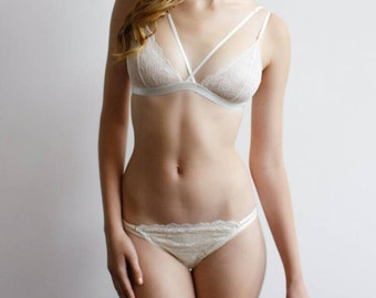 Marshmallow. Lace multi-straps lingerie set.