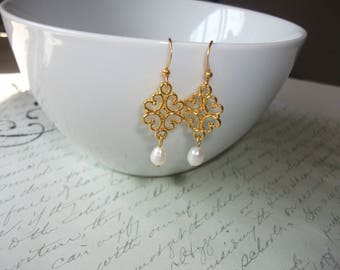 Filigree freshwater pearl drop gold earrings