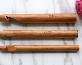 Three size Giant Knitting Needles/ Crochet Hook/ Crochet Hook,/Big crochet needle/  Super Big Wooden Needles/ extreme crochet hook