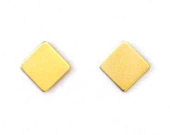 Geometric studs made of brass-minimalist brass earrings-small earrings-pix