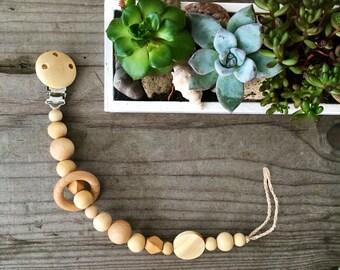 Wooden pacifier clip natural eco friendly speenkoord wood teething toy ring teether Handmade Pacifier Clip wooden dummy chain  pacifier hold