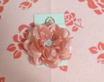 SUPER pretty pink flower clip
