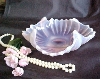 Fostoria Heirloom Pink Opalescent Bowl, Square Florette Art Glass Dish, Mid Century Home Decor, Old Colored Glassware, Bridal Shower Gift
