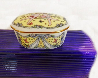 Vintage Music Box, Trinket Box, Lisbon Antiqua, Franklin Porcelain, Made in Japan, Home Decor, Musical Box, Romantic Love Songs