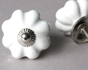1 door knob white, drawer pull, upcycling home decor diy, ceramic, handle grip, romantic country style