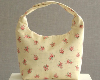 Work Lunch Bag, Fabric Lunch Tote, Insulated Lunch Bag, Lunch Bag for Women, Insulated Work Lunch Bag,Cluster of Tiny Red  Flowerss on Beige