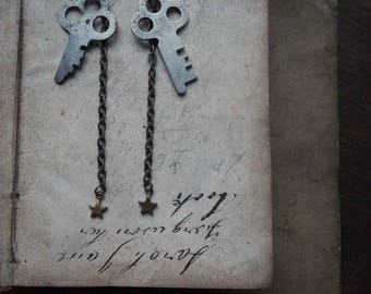 Antique Skeleton Key Earrings - Starry Nights