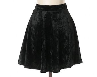 Vintage 90s crushed black velvet skirt , beautiful short skirt made in usa