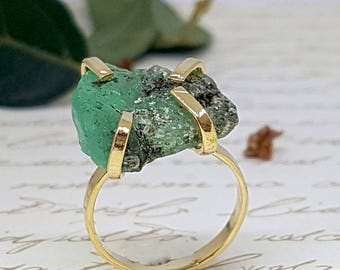 Gold Emerald Ring, Raw Emerald Ring, Rough Emerald Ring, May Birthstone Ring, Gold Gemstone Ring, Precious Stone Ring, Gold Statement Ring