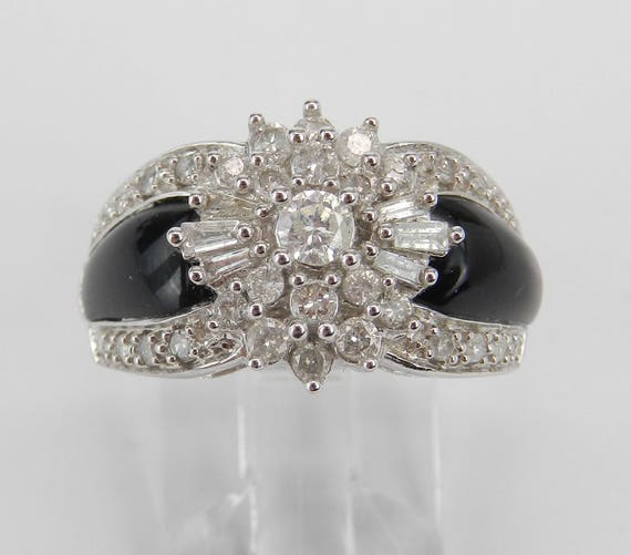 14K White Gold Diamond and Black Onyx Cocktail Cluster Right Hand Ring Size 5