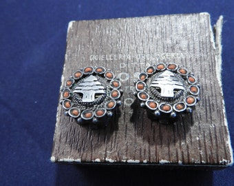 Vintage clip on earrings. silver clip ons. 925 clip ons. unique earrings. vintage earrings.925. Sterling silver
