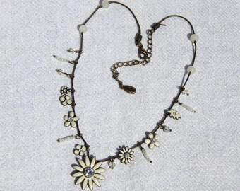 Vtg 90s White Flower Necklace, Signed Pilgrim