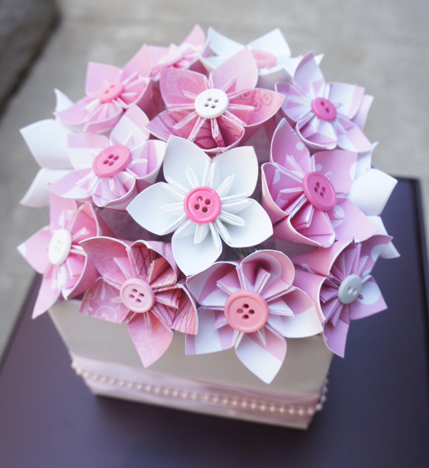 Baby shower centerpieces baby pink blue for Baby shower flower decoration