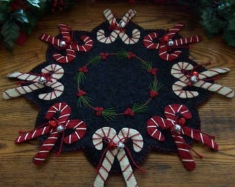 Primitive Penny Rug PATTERNS - Jingle Bell Candy Canes - CP120