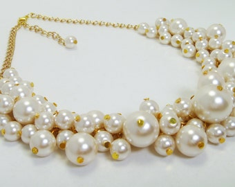 Ivory Pearl Cluster Necklace ,Ivory Pearl Necklace, Cream Pearl Necklace, Chunky Necklace, Bridal Pearl Jewelry, Ivory Bridesmaid Necklace
