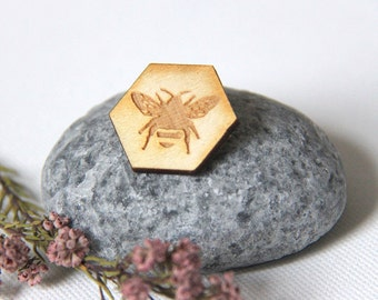 Bee Pin, Bee Lapel Pin, Bee Badge, Wooden Bee Brooch Pins, Unique Christmas Gift for Mum, Stocking Filler, Gift for Mum