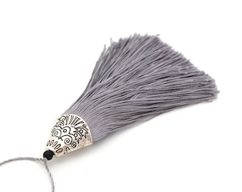 Gray tassel with Silver Cup 8 cm