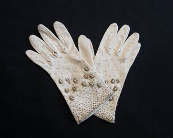 1960s Vintage - Vintage Gloves - Short Beaded Gloves - Beige