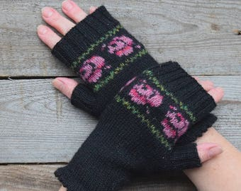 Boho fingerless gloves Fair isle arm warmers Women wrist warmers Texting gloves Gift for her