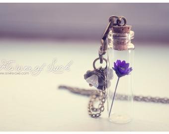 Tiny flower Bottle necklace. Glass bottle pendant. Cute Necklace. dried flower necklace, terrarium necklace Inspirational gift for women