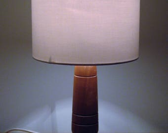 Unique African Sapele hardwood table lamp 290mm in height.