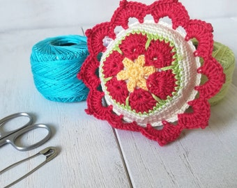 Crochet red pincushion, round cushion, Mom gift, sewing pin cushion, Gift for women, Sewing tools, Christmas gift, tailoring tools