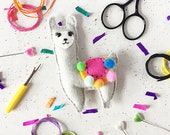 Sewing kit, Llama, keyring, badge, DIY felt craft kit, felt craft, craft kit, DIY kit, Llama craft, sewing, craft supplies, sew, kits