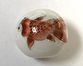 Vintage PORCELAIN KOI FISH Bead White Red 25mm pkg1 por47
