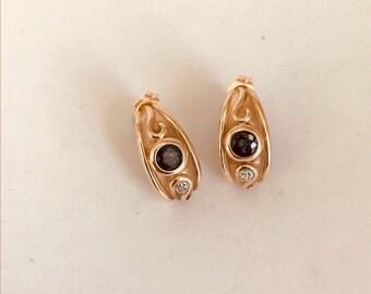 Vintage 14k Gold Byzantine Style Pierced Earrings