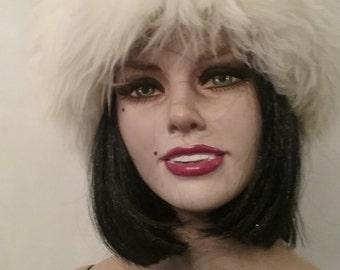 Vintage white Tuscan lamb hat....