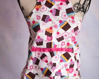 Girl's handmade apron/  Cupcake Apron / cotton apron