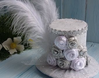 Mini Top Hat Headband Wedding Hat White Mini Top Hat Mad Hatter Hat Silver Mini Hat Tea Party Hat Alice in Wonderland Top Hat Fascinator