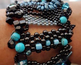 Cuff bracelet, Free Form Peyote Stitch. Beaded. Black & Turquoise