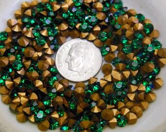 Swarovski 1100 Emerald  32pp- 4mm Vintage Crystal Chatons Foiled