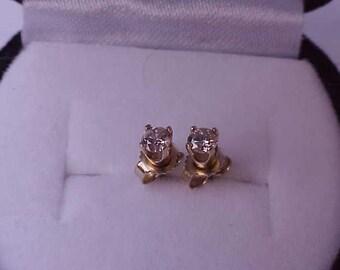 Estate .25ct Diamond 14k Yellow Gold Earrings Studs