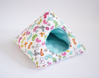 cosy cuddle pyramid for guinea pigs (butterflies/pastel blue)