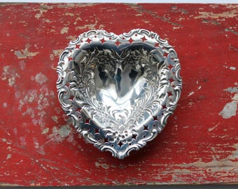 Sterling silver heart dish, Pierced silver heart dish, Wedding gift, Sterling heart dish, Valentine's Day gift, Silver love token