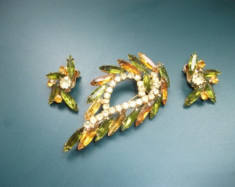 Vintage Amber & Green Glass Brooch Pin With Matching Clip On Earrings Demi Parure