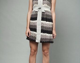 crochet dress, bow dress, mini dress, sleeveless dress, vintage 60s MOD textured yarn gray empire waist sleeveless M MEDIUM
