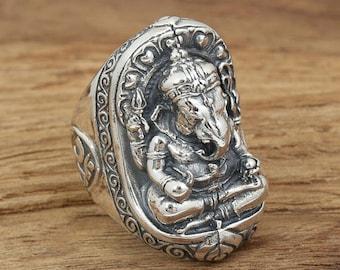 Superb silver ring 925 elephant God Ganesh