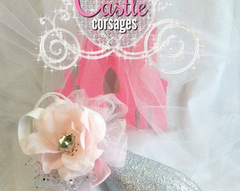 Pink and White Prom Corsage, Wedding Corsage, Wrist Corsage, Silk Corsage, Bridesmaids Accessories, Women's Groups