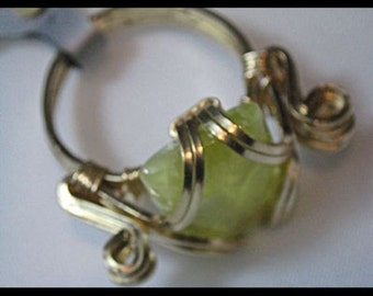 Prehinite Wirewrapped Ring  Sz 7  Item #566