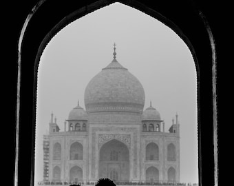 Black and White Taj Mahal 2