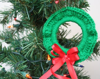 Crochet Christmas Ornament, Single Ornament, Green Wreath with Red Ribbon