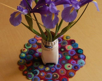 small round table runner with lots of dots