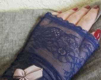 Bridgetcat lace fingerless gloves