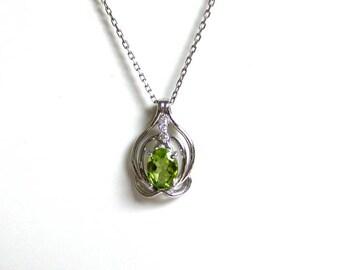 Peridot Necklace/ Sterling Silver Peridot Necklace/ Genuine Peridot Necklace/ August Birthstone/ Genuine Gemstone Necklace/ Green Peridot